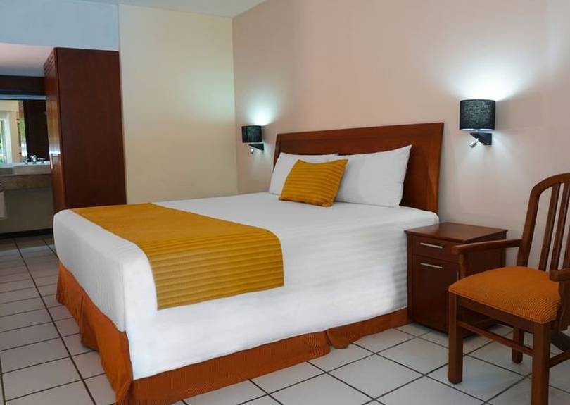 Standard one-bed viva villahermosa hotel
